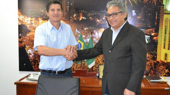 Vereador Dr. João assume a presidência da Câmara de Chapecó