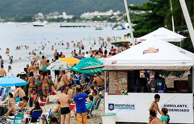 Floripa: moradores imitam a prefeitura e compram caixas de areia para o cocô