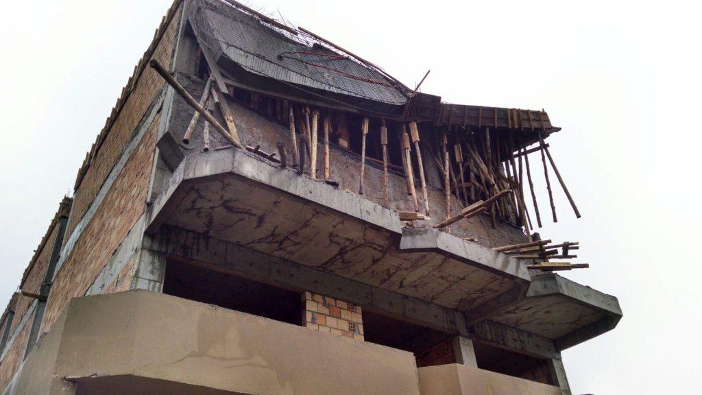 Trabalhador cai de prédio em construção no bairro Jardim Itália