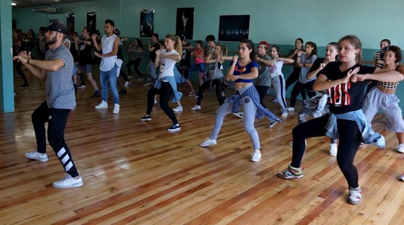 Workshop de Danças Urbanas reúne bailarinos da região