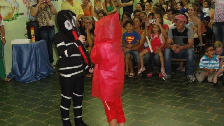 Educação: Escola promove teatro contra dengue