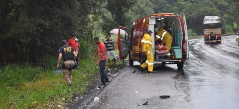 Colisão deixa dois mortos na BR-282 próximo posto Tedesco