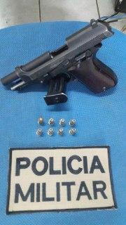 Polícia prende homem por posse ilegal de arma e captura foragido na Efapi