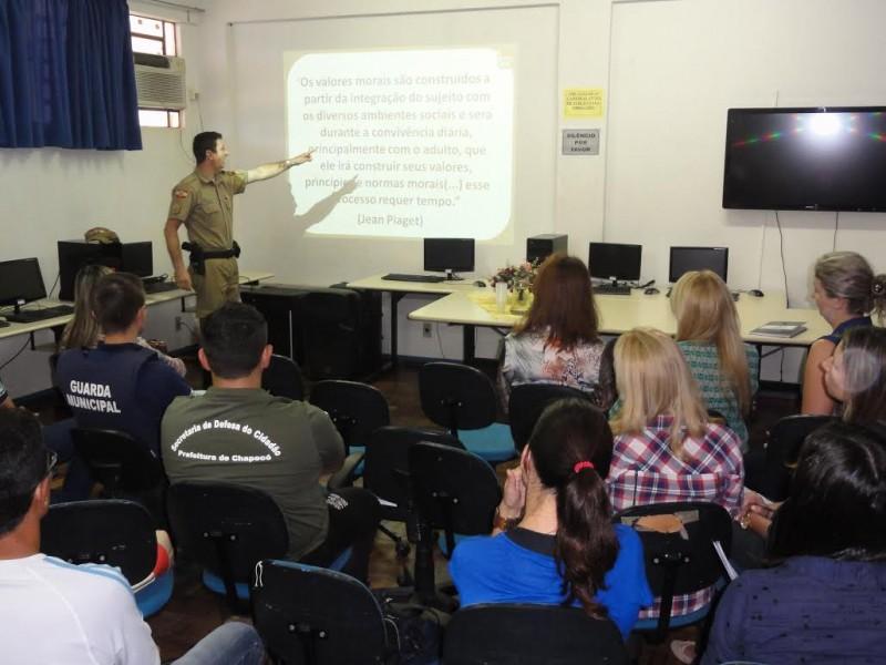 Educação: projeto discute estratégias contra a violência