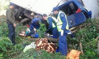 Acidente entre Seara e Chapecó deixa motorista preso nas ferragens