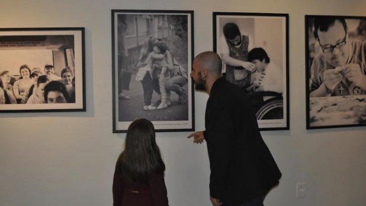 Galeria Dalme Rauen traz exposição sobre o cotidiano da Apae