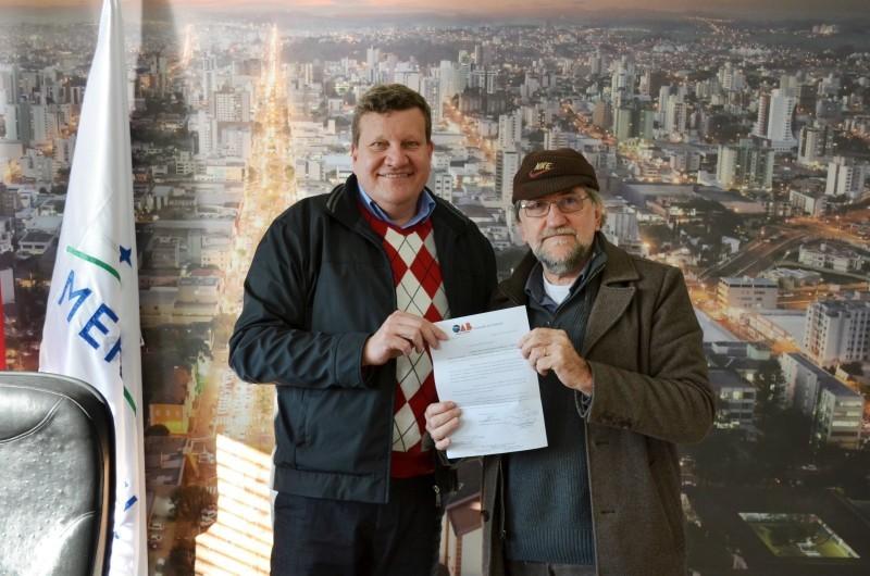 Presidente da OAB Chapecó mantém reunião com prefeito Luciano Buligon
