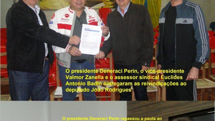 Deputados federais catarinenses recebem propostas em defesa dos transportadores