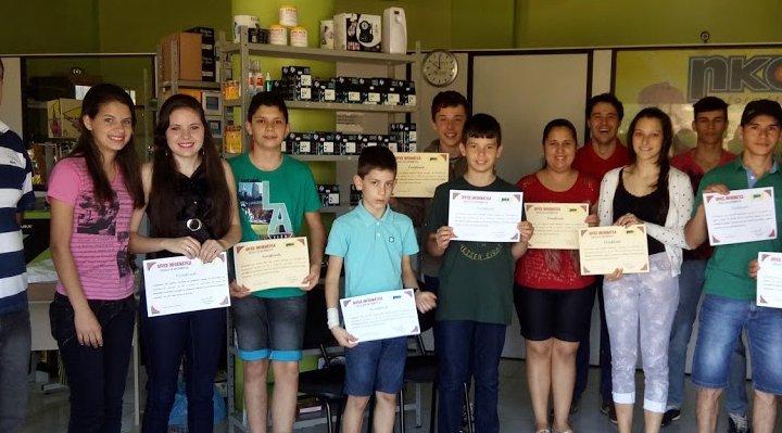 Inserção tecnológica: Sindicato de Quilombo já formou mais de 150 filhos de trabalhadores em informática