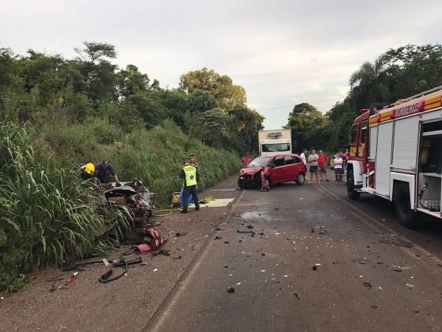 Veículo de Maravilha se envolve em acidente com morte na BR-282