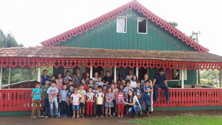 Rota Italiana recebe visita de alunos