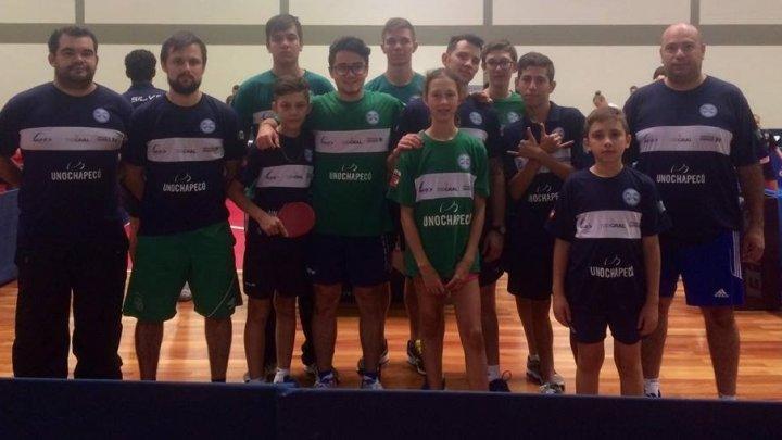 Tênis de Mesa de Chapecó conquista medalhas no Circuito Catarinense