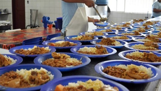 Prefeitura de Chapecó, SC, revoga pregão de merenda escolar após suspeitas de irregularidades