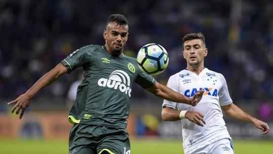 Perdeu, mas convenceu: reservas assustam Cruzeiro, e Chape renova confiança no elenco