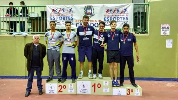 Tênis de Mesa de Chapecó conquista Título no Campeonato Estadual de Equipes