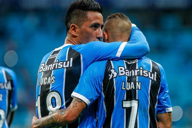 Grêmio vence o Vasco e segue invicto na Arena