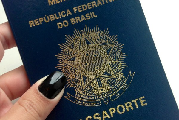 Polícia Federal anuncia suspensão da emissão de novos passaportes