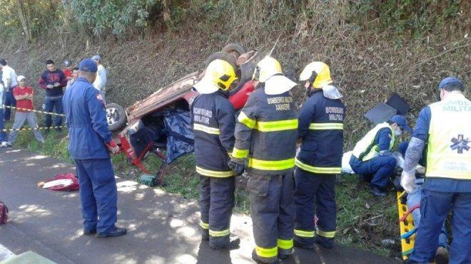 Duas pessoas morrem e outras quatro ficam feridas em acidente na BR-282