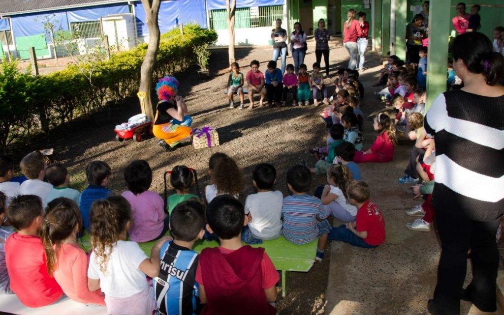 Projeto estimula leitura das crianças e da família