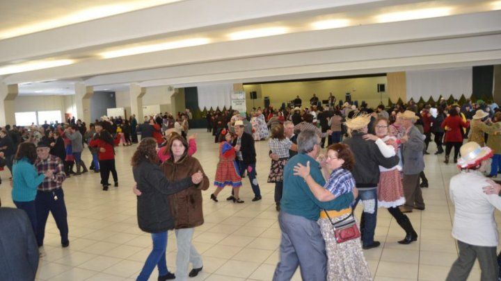 Festa na Roça: Tradicional Festa Junina reúne 2 mil idosos em Chapecó