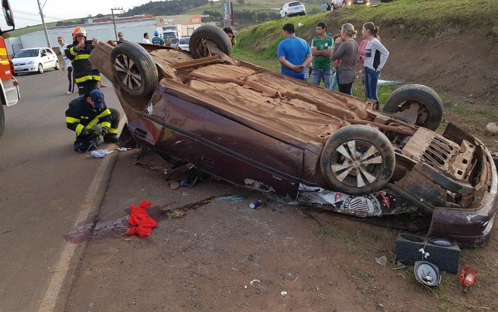 Uma pessoa morreu e outras seis ficaram feridas em grave acidente na BR-282, em Cordilheira Alta