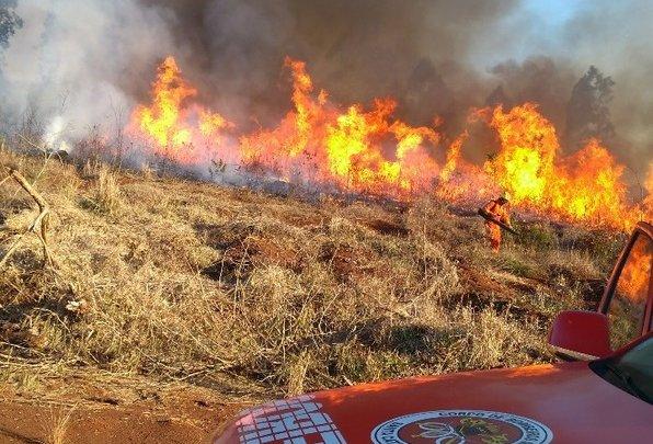Drone auxilia bombeiros em combate a incêndio em Chapecó