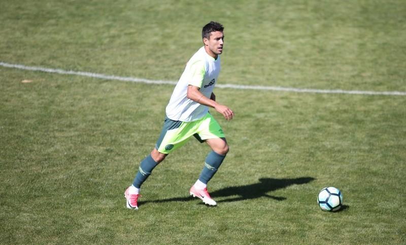 Ruschel disputa jogo-treino pela Chape e alimenta esperança de volta oficial