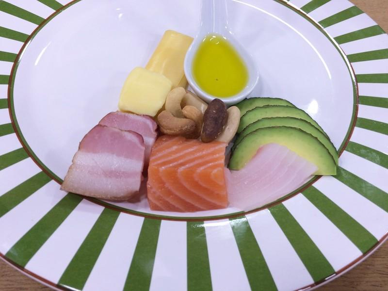 Estudo sugere maior consumo de gordura e menos ingestão de frutas e legumes