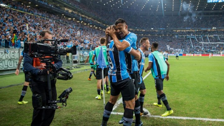 Grêmio vence o Lanús no primeiro jogo da final da Libertadores