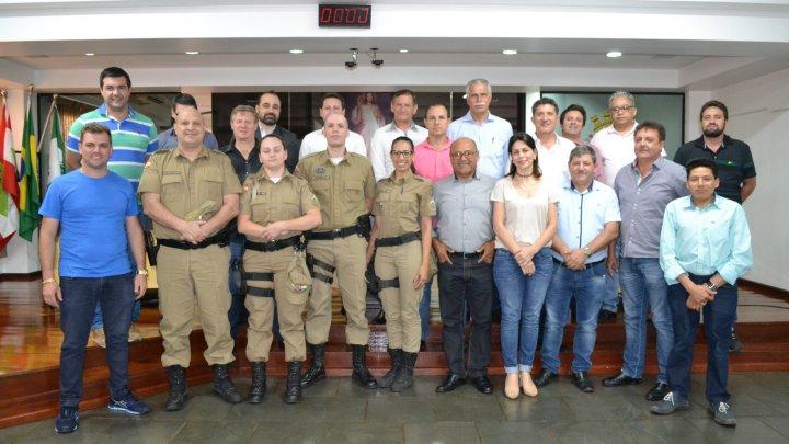 Representantes do Programa Guardião Maria da Penha visitam o Legislativo