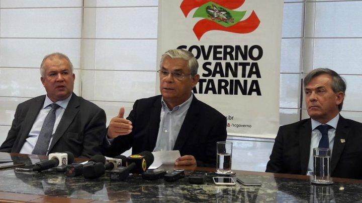 Governador de SC anuncia desativação de ADRs e corte de gastos no estado