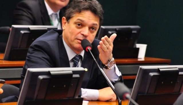 João Rodrigues é transferido para Porto Alegre