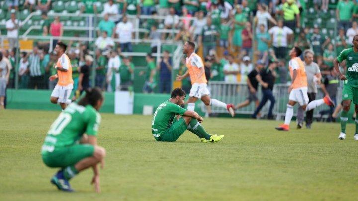 Figueirense vence a Chapecoense e conquista o 18º título do Catarinense