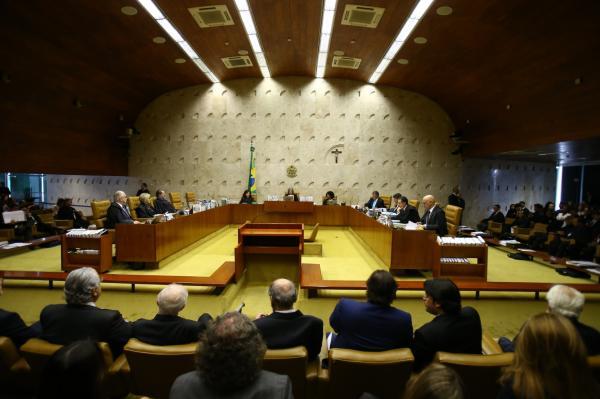 Por 6 votos a 5, STF nega recurso contra prisão de Lula