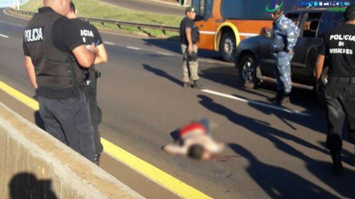 Ao se ver cercado pela polícia, estuprador se joga na frente de caminhão e morre atropelado