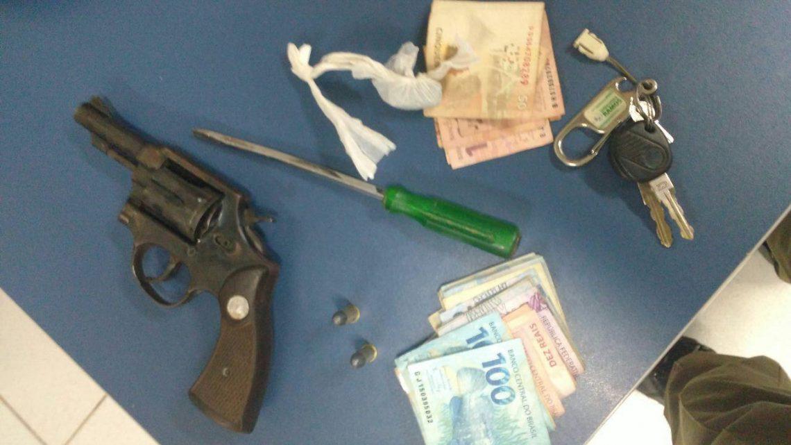 PM detém quarteto com arma ilegal em Nova Erechim