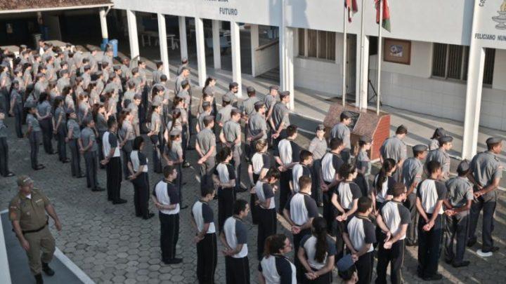 Justiça determina fim da reserva de vagas em colégios militares de SC