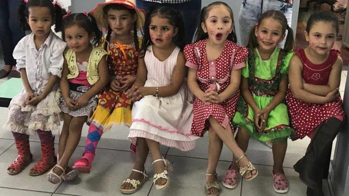 Escolas realizam Festas Julinas em Chapecó