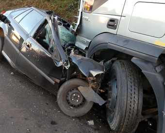 Grave acidente na manhã deste domingo, deixa três mortos em Faxinal do Guedes