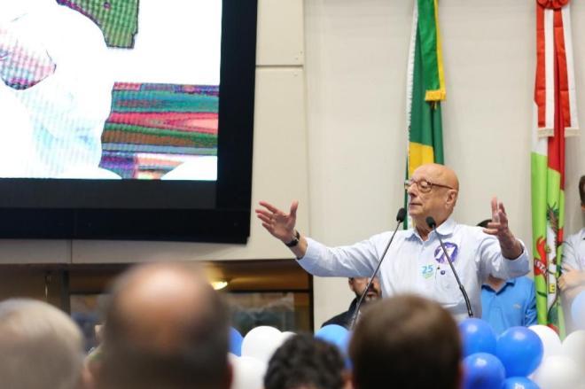 Esperidião Amin é candidato ao governo de SC pelo Progressistas
