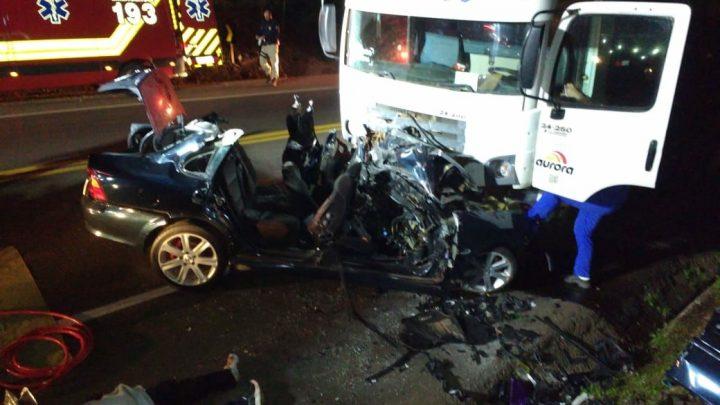 Mais duas pessoas perderam a vida em gravíssimo acidente em Pinhalzinho