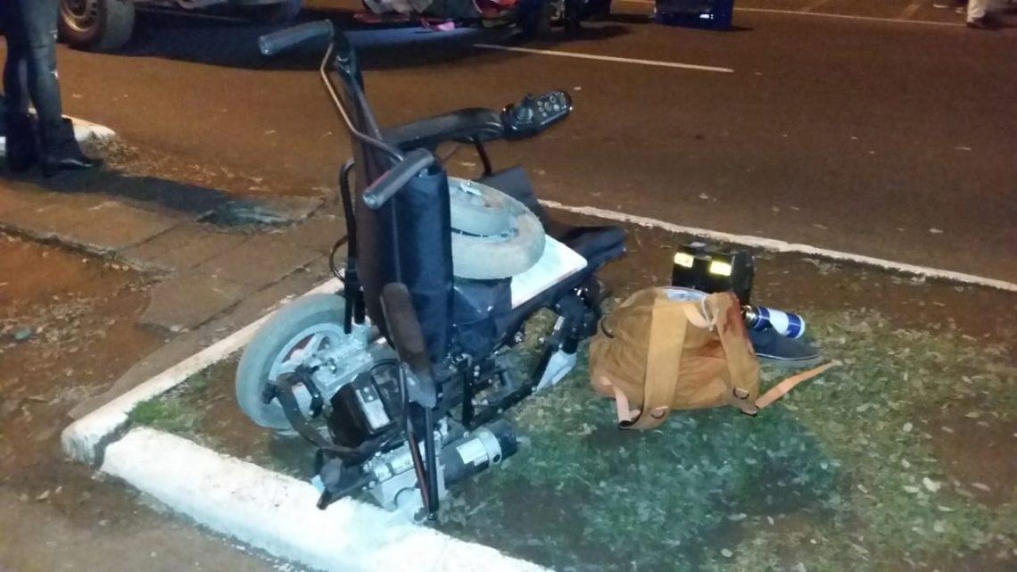 Cadeirante é atropelado na faixa de pedestre em Chapecó