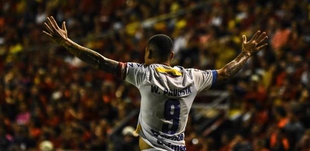 """Wellington Paulista diz não entender afastamento na Chape: """"inexplicável"""""""