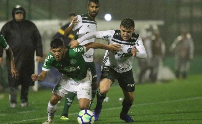 Chapecoense perde para Palmeiras e segue firme rumo a série B