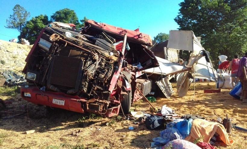 Caminhoneiro morre em tombamento na SC-161 em Romelândia