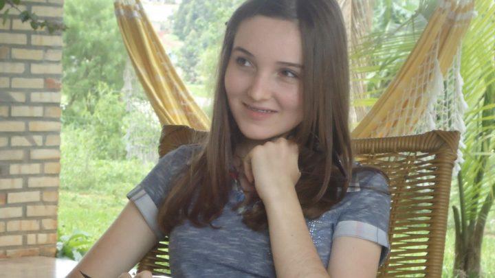 Jovem do acidente será velada hoje em funerária de Chapecó