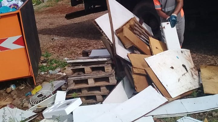 Descarte incorreto compromete coleta e trabalho dos catadores em Chapecó