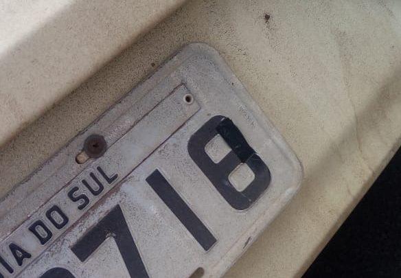 Veículo com placas adulteradas é apreendido no centro de Chapecó