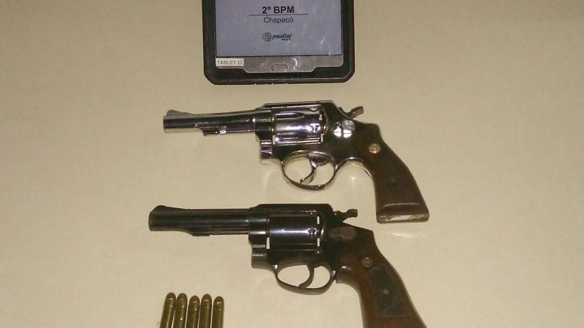 Adolescente é detido com duas armas de fogo em Chapecó
