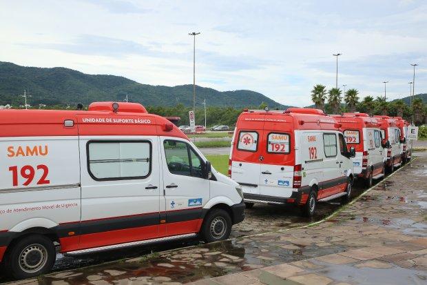 Ministro da Saúde libera R$ 28 milhões para 43 municípios catarinenses e entrega 13 ambulâncias